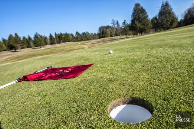 Quelques clubs de golf de la région accueillent... (Spectre Média, Julien Chamberland)