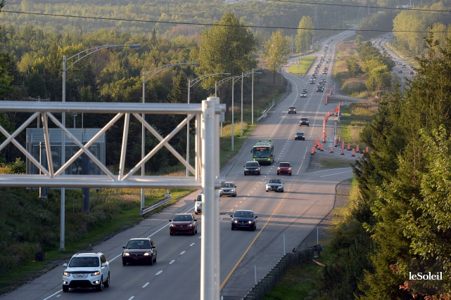 L'autoroute Laurentienne Sud entre la rue George-Muir et... (Photothèque Le Soleil, Erick Labbé)