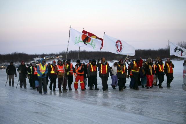 Des jeunes provenant de trois communautés des Premières... (Photo Jackie Hookimaw-Witt via Reuters)