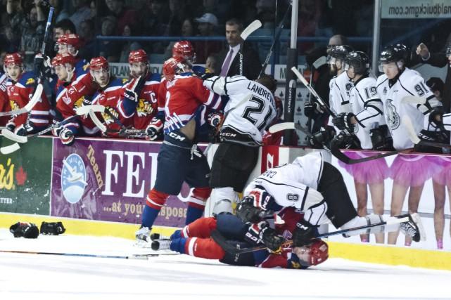 Comme en fait foi cette photo, la rivalité... (Marc Grandmaison, L'Acadie Nouvelle)