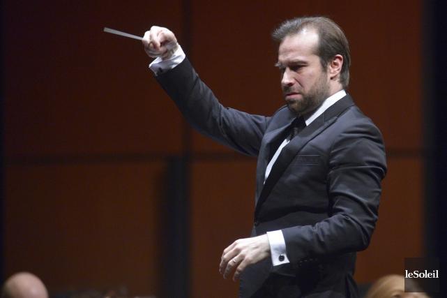 FabienGabel a dirigé l'orchestre dans un grand bal... (Le Soleil, Jean-Marie Villeneuve)