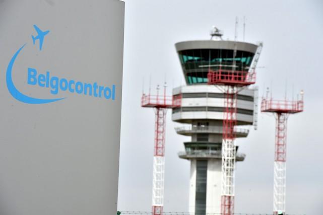 Les contrôleurs aériens ont repris leur service au... (PHOTO REUTERS)