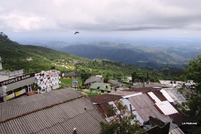 La vue sur les montagnes est très jolie... (La Tribune, Jonathan Custeau)