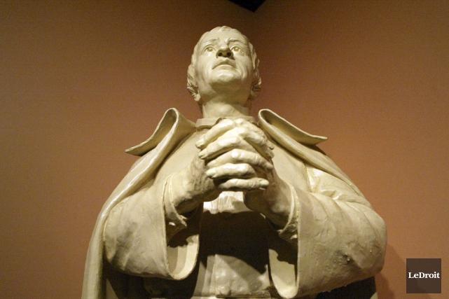 Ressortira-t-on un jour la statue de Saint Louis-Marie... (Archives LeDroit)