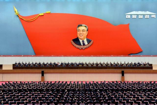Le régime nord-coréen célèbre le 15 avril, jour... (PHOTO KCNA VIA REUTERS)