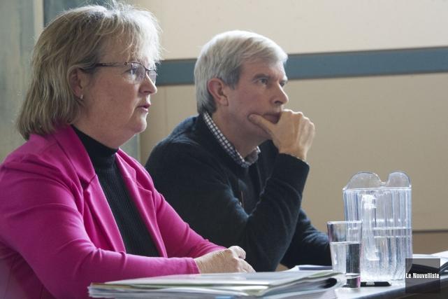 Joan Hamel, porte-parole de la CTETS, et Christian... (Stéphane Lessard, Le Nouvelliste)