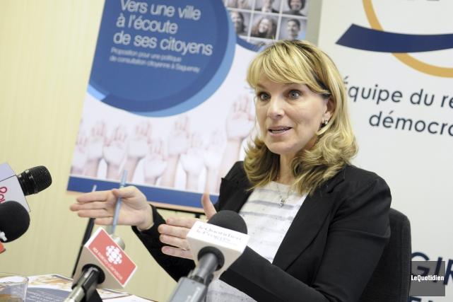 La chef de l'ERD et conseillère municipale, Josée... (Le Quotidien, Mariane L. St-Gelais)