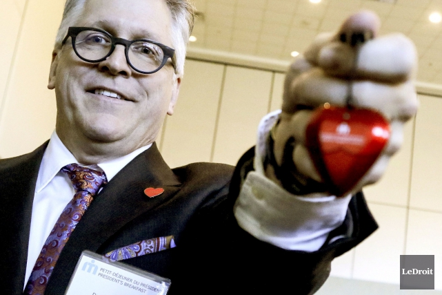 Le président-directeur général de l'Hôpital Montfort, le Dr... (Patrick Woodbury, LeDroit)