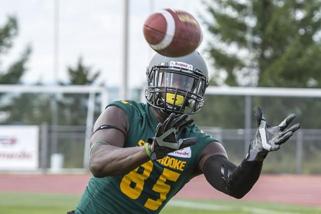 Le footballeur Oumar Touré... (Courtoisie, Vert et Or de l'Université de Sherbrooke)