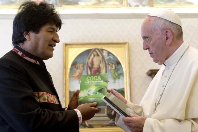 Reçu au Vatican vendredi, le président bolivien Evo... (Photo Alessandra Tarantino, Reuters)