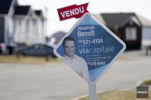 Les ventes dans le secteur résidentiel ont grimpé... (Julie Catudal, La Voix de l'Est)