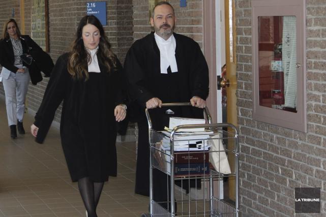 Les procureurs aux poursuites criminels au dossier, Me... (La Tribune, René-Charles Quirion)