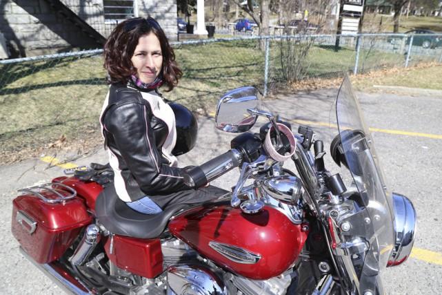 «C'est fou! Mais c'est vrai. Plein de motocyclistes... (Photo Janick Marois)