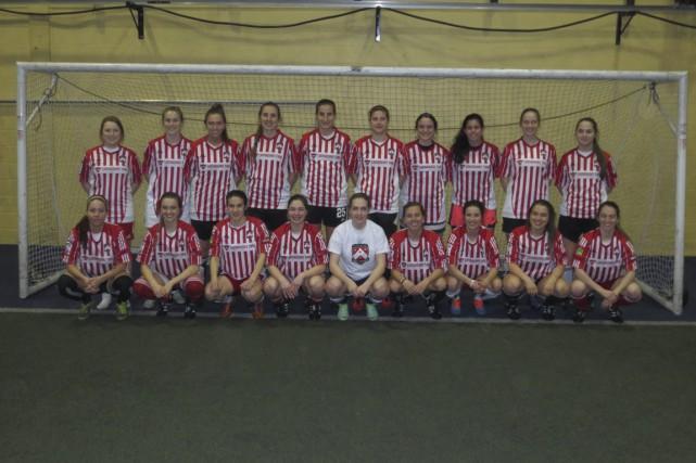 La formation féminine senior du Club de soccer... (Courtoisie)
