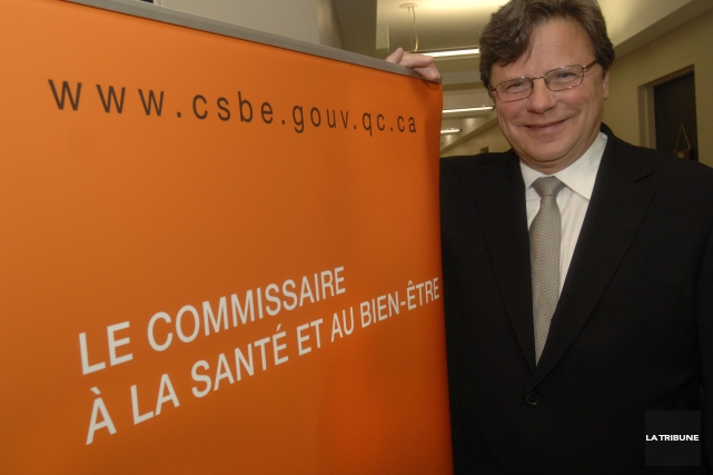 Robert Salois, occupait la fonction de commissaire à... (Photo Archives La Tribune)