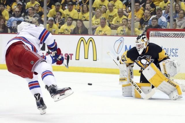 Il n'y a pas de problème avec l'oeil droit de Henrik Lundqvist. Et il n'y en a... (Photo USA Today Sports)