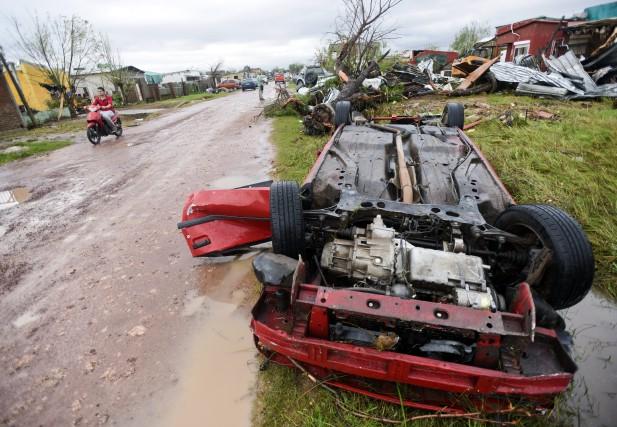 Une trentaine de personnes ont été grièvement blessées,... (PHOTO MATILDE CAMPPDONICO, ASSOCIATED PRESS)
