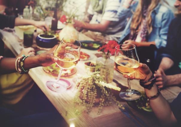 CHRONIQUE / Ce soir-là, nous étions allés manger au restaurant et pendant que... (123rf)