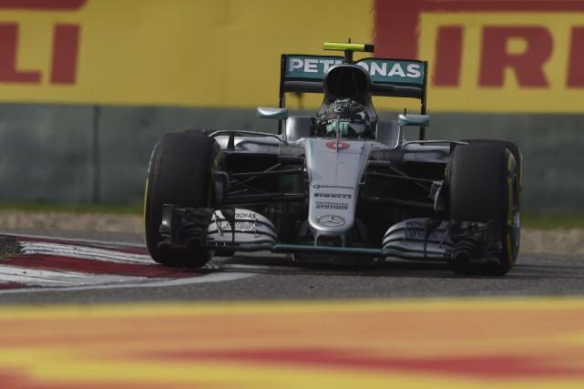 Nico Rosberg compte désormais 36 points d'avance sur... (AFP, Greg Baker)