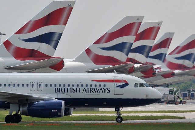 Un avion de la compagnie British Airways a heurté dimanche un objet supposé... (Photo archives AFP)