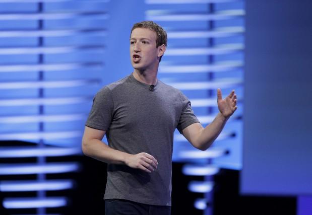 Le pdg de Facebook, Mark Zuckerberg... (AP, Eric Risberg)