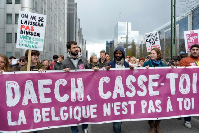La manifestation, issue d'une initiative citoyenne relayée par... (PHOTO AFP)