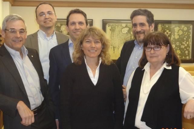 La consultante Caroline Gosselin (au centre) entourée de... (Fournie)