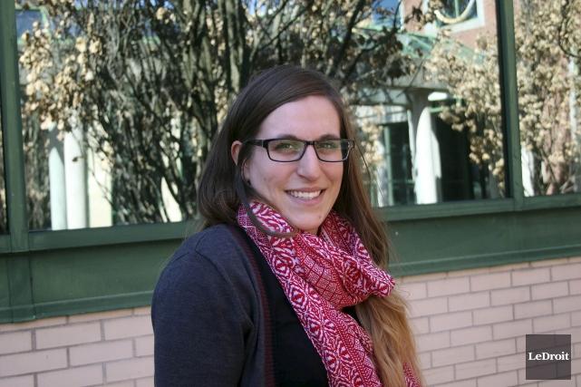 Annie-Pier Caron Daviault, 24 ans, consacre plusieurs heures... (Etienne Ranger, LeDroit)