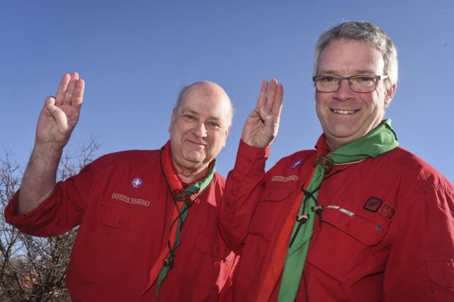 Serge Dubé et Denis Lessard du Groupe scouts... (François Gervais)