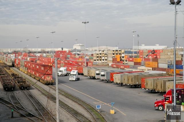 Des chargements ferroviaires valant des dizaines de milliards... (Archives La Presse)