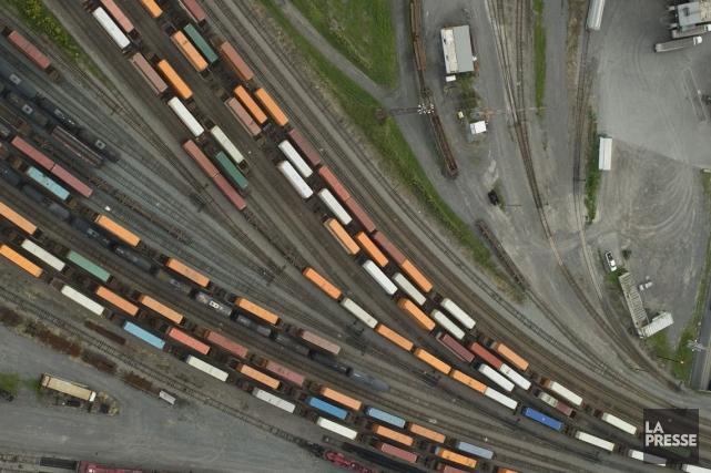Des chargements ferroviaires valant des dizaines de milliards... (David Boily, Archives La Presse)