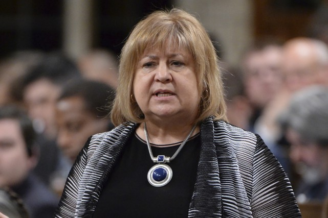 La ministre du Travail, MaryAnn Mihychuk... (Archives La Presse Canadienne)