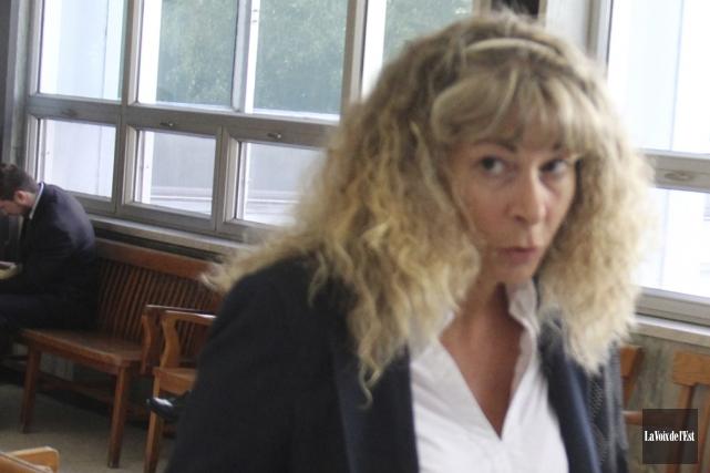 En 2014, Louise Poulin (sur la photo) poursuivait... (Archives La Voix de l'Est)