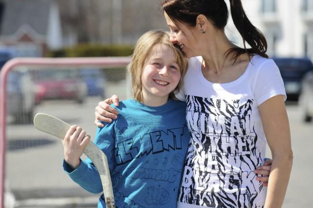 Mathieu Basche et sa mère Pascale Chamberland peuvent... (Andréanne Lemire)
