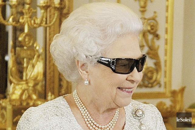 Elisabeth II... (Photothèque Le Soleil)