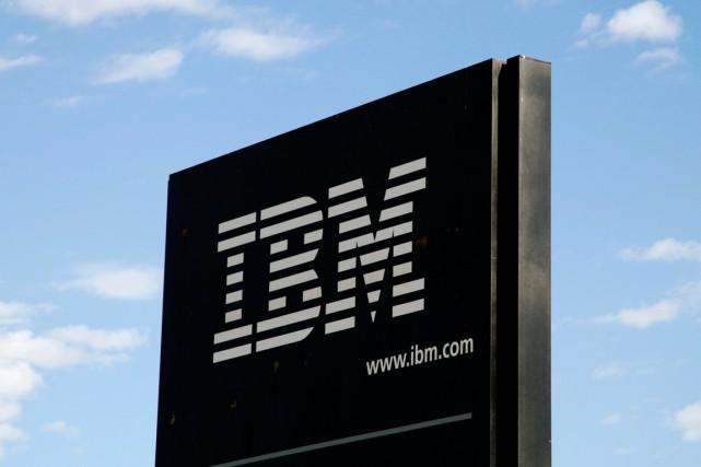 Le groupe informatique américain IBM a limité le recul de ses résultats au... (PHOTO RICK WILKING, ARCHIVES REUTERS)