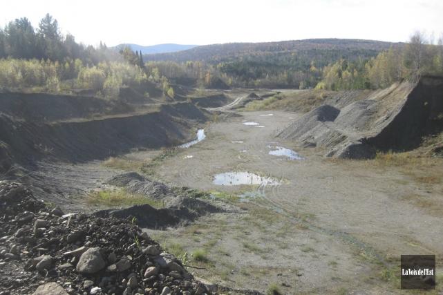 La gravière-sablière exploitée par Construction DJL près de... (archives La Voix de l'Est)