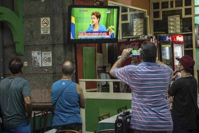 La conférence de presse de la présidente brésilienne,... (AFP, Christophe Simon)