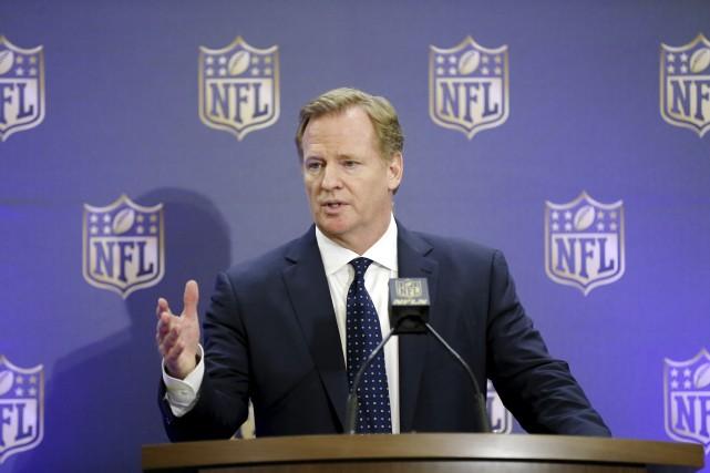 Le commissaire de la NFL,Roger Goodell... (AP, Brandon Wade)