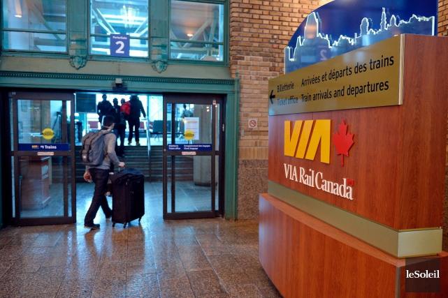 Le train à grande fréquence planifié par VIA Rail entre Québec et Windsor est... (Photothèque Le Soleil, Erick Labbé)