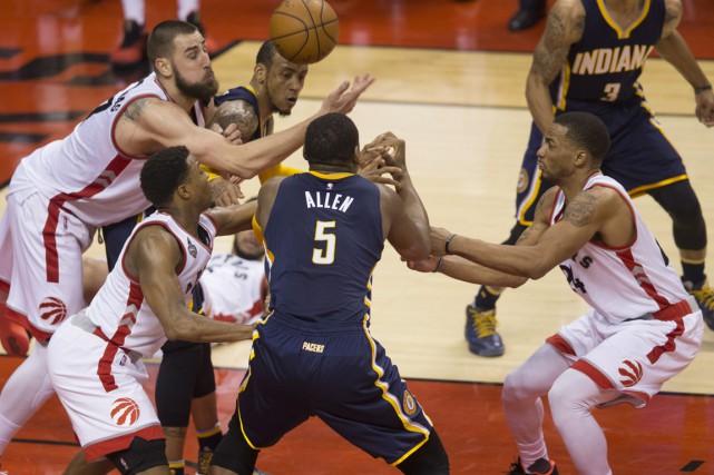 Les Raptors de Toronto ont pris la mesure... (La Presse Canadienne)
