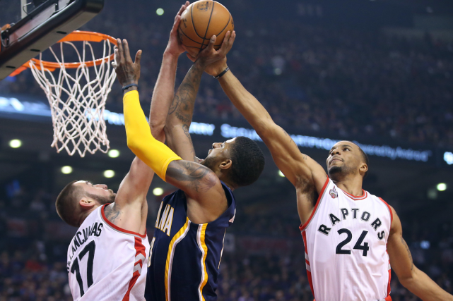 Les Raptors de Toronto ont défait les Pacers... (Photo Tom Szczerbowski, USA Today)