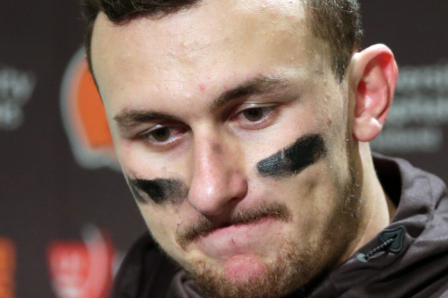 L'ancien quart-arrière des Browns de Cleveland Johnny Manziel... (Photo Scott Eklund, archives AP)