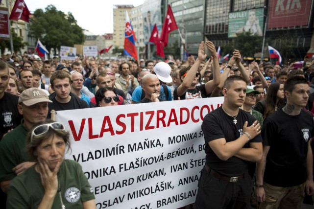 De nos jours, nous associons la politique de... (Vladimir Simicek, Archives AFP)