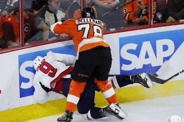 L'attaquant des Flyers de Philadelphie, Pierre-Édouard Bellemare, a été... (PHOTO AP)