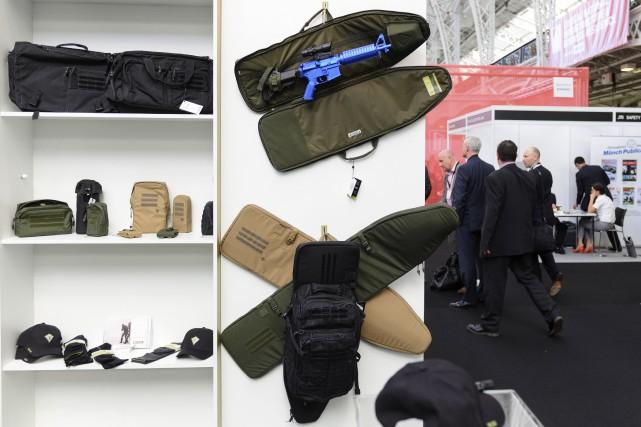 Des objets exposés à la foire de la... (AFP, Leon Neal)