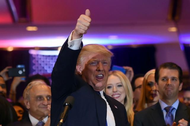 Cette victoire permet à Donald Trump de reprendre... (PHOTO AFP)