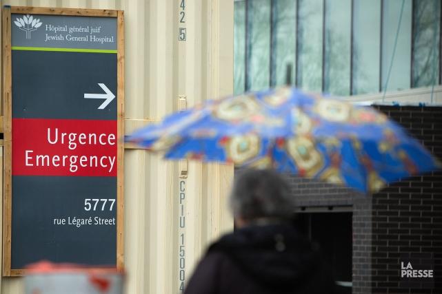 Des milliers d'heures auraient été facturées à l'hôpital,... (PHOTO ROBERT SKINNER, ARCHIVES LA PRESSE)