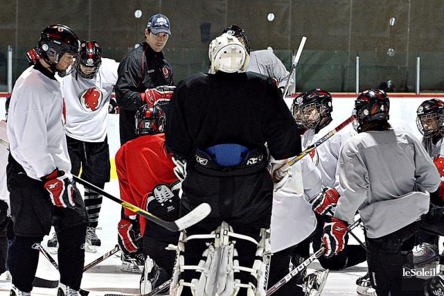L'entraîneur-chef du Blizzard du Séminaire Saint-François, Bryan Lizotte... (Photothèque Le Soleil, Pascal Ratthé)