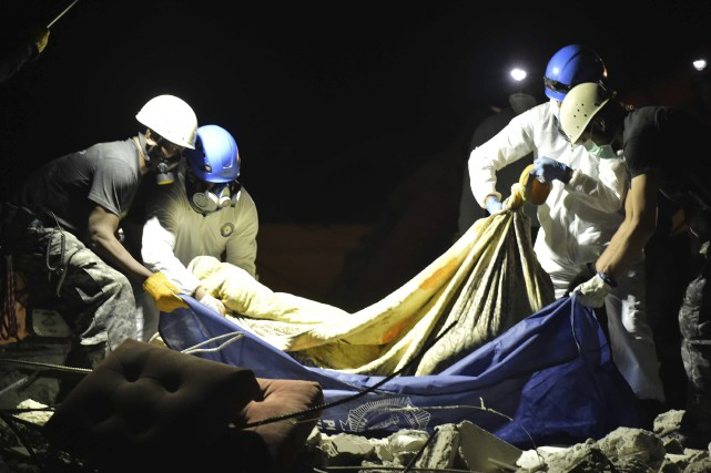 Le nouveau séisme est survenu tandis que les... (Agence France-Presse, Rodrigo Buendia)